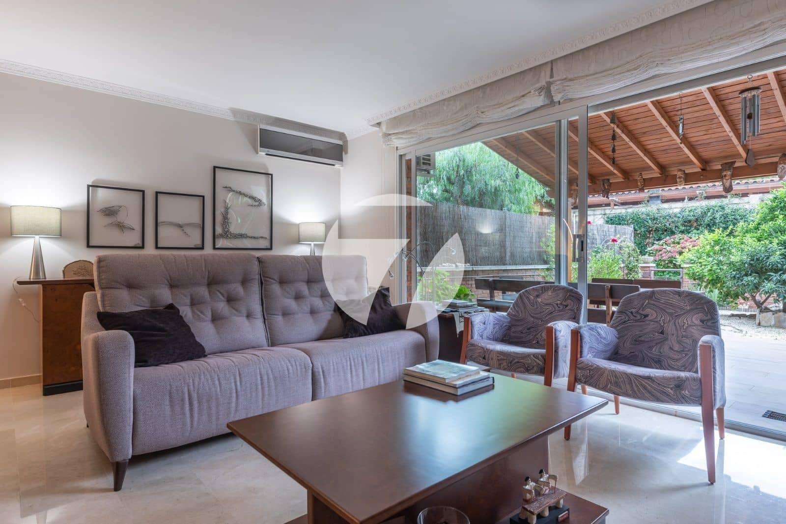 4 soveværelse Byhus til salg i Vilassar de Mar med swimmingpool garage - € 775.000 (Ref: 5661929)