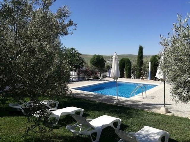 6 soverom Kommersiell til salgs i Lucena med svømmebasseng - € 239 000 (Ref: 3453301)