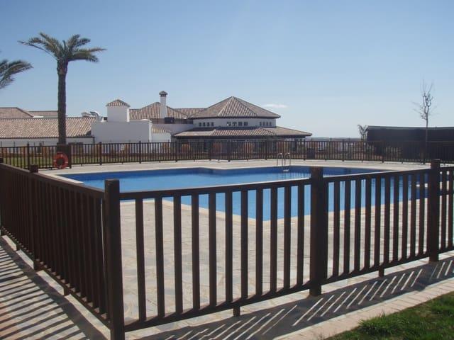 2 slaapkamer Penthouse te huur in El Valle Golf Resort met zwembad - € 450 (Ref: 5343150)