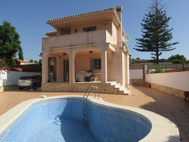 3 bedroom Villa for sale in Benalmadena - € 389,000 (Ref: 4786667)