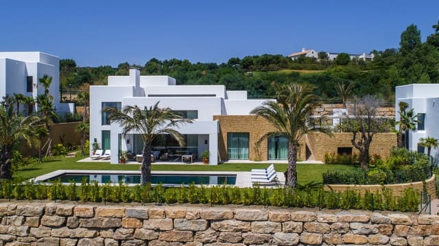 5 bedroom Villa for sale in Casares with pool - € 4,000,000 (Ref: 4652081)