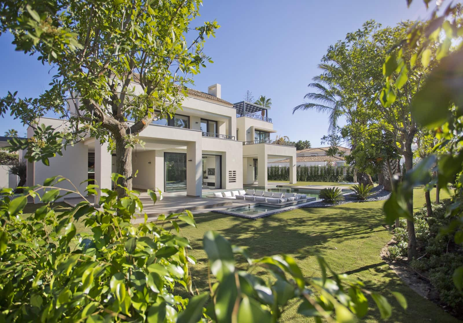 4 bedroom Villa for sale in Estepona with pool - € 3,200,000 (Ref: 5753305)