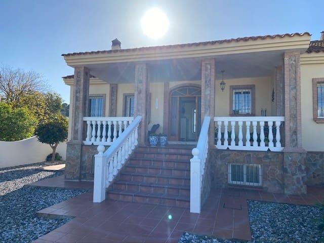 7 slaapkamer Villa te huur in Alhaurin de la Torre met zwembad garage - € 2.000 (Ref: 5336139)