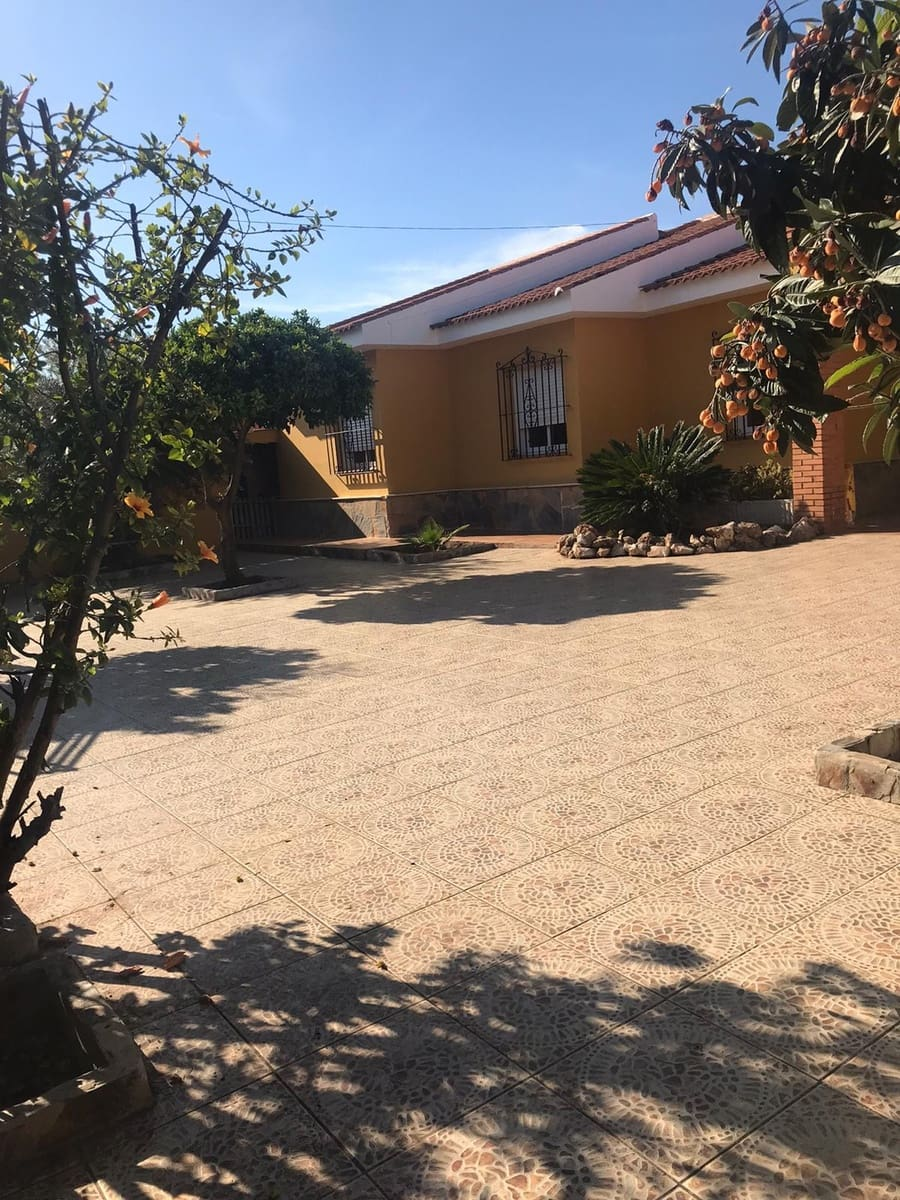 5 slaapkamer Villa te huur in Alhaurin de la Torre met garage - € 1.200 (Ref: 5343917)