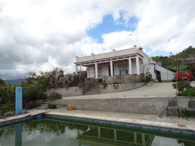 2 soveværelse Finca/Landehus til leje i Alhaurin de la Torre med swimmingpool - € 1.000 (Ref: 5926798)