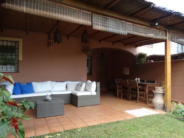 2 sovrum Radhus till salu i Alhaurin de la Torre med garage - 335 000 € (Ref: 5986470)