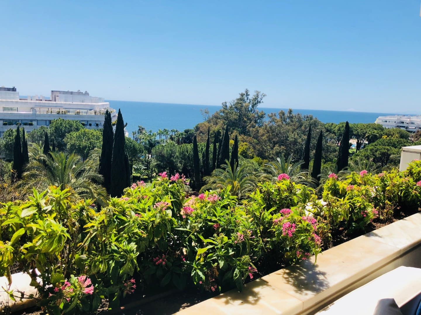 2 bedroom Apartment for holiday rental in Marbella with pool garage - € 9,400 (Ref: 2687027)