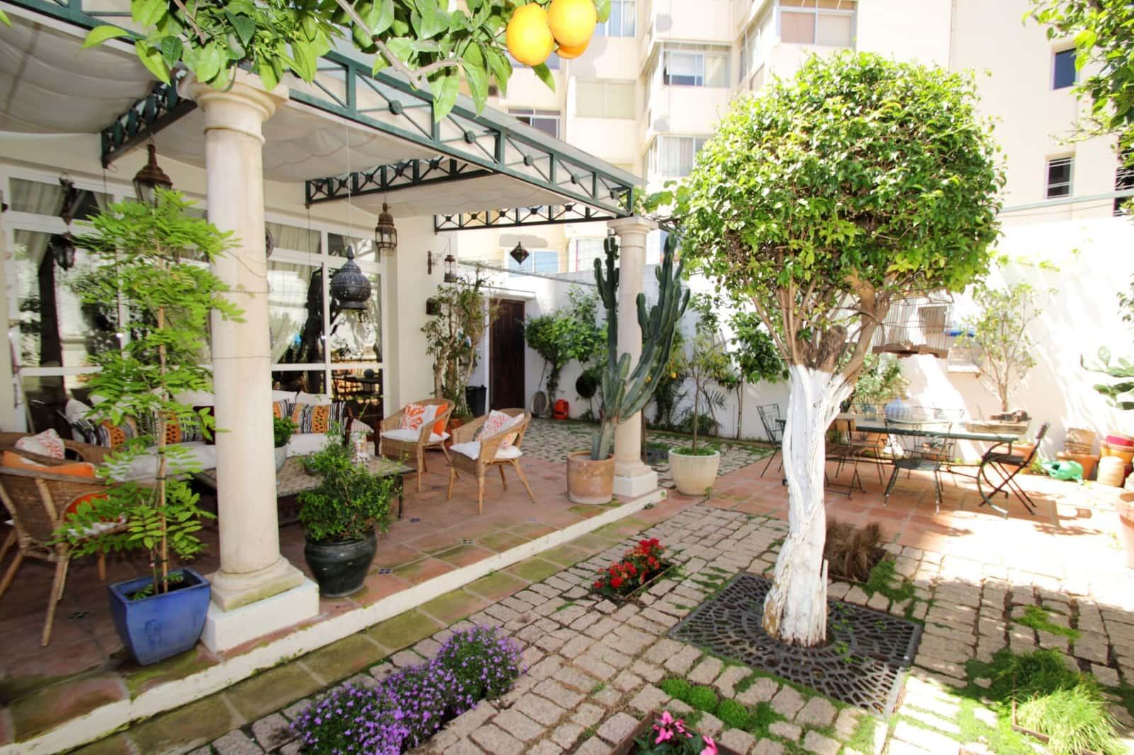 5 bedroom Villa for sale in Marbella with garage - € 1,000,000 (Ref: 3217421)