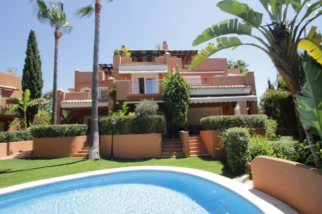 Pareado de 2 habitaciones en Marbella del Este en alquiler vacacional con piscina garaje - 5.000 € (Ref: 3217482)