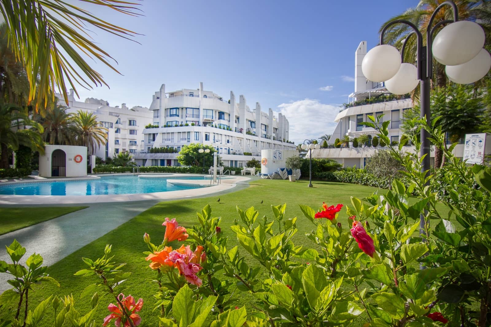 3 bedroom Apartment for sale in Marbella with pool garage - € 495,000 (Ref: 3249660)