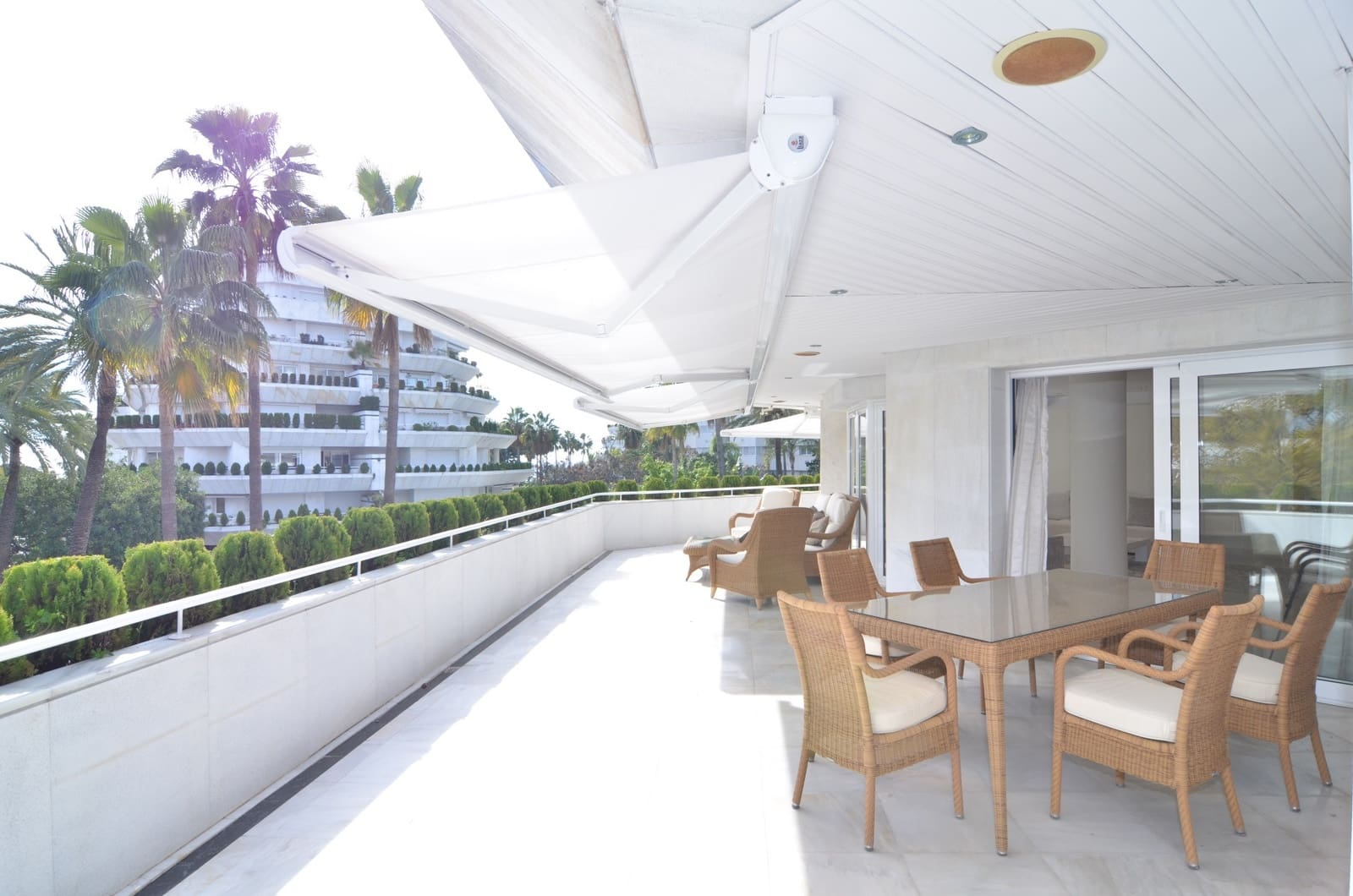 2 bedroom Apartment for sale in Marbella with pool garage - € 1,495,000 (Ref: 3492884)
