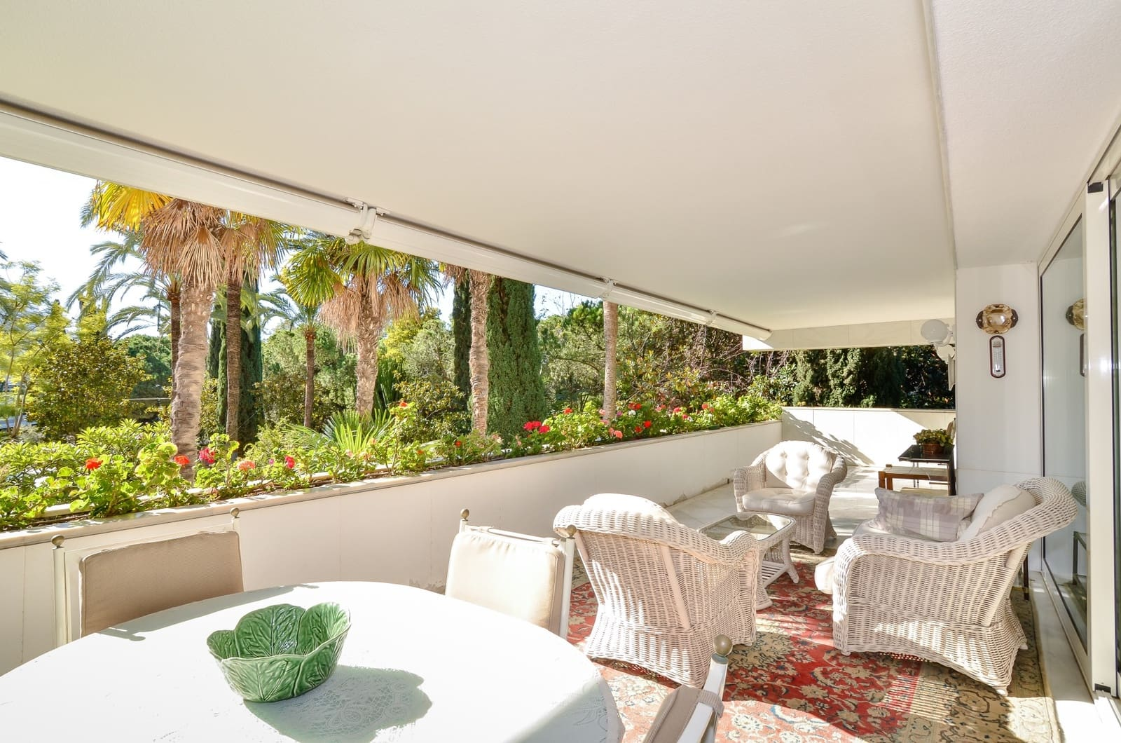 4 bedroom Apartment for sale in Marbella with pool garage - € 2,300,000 (Ref: 3658413)