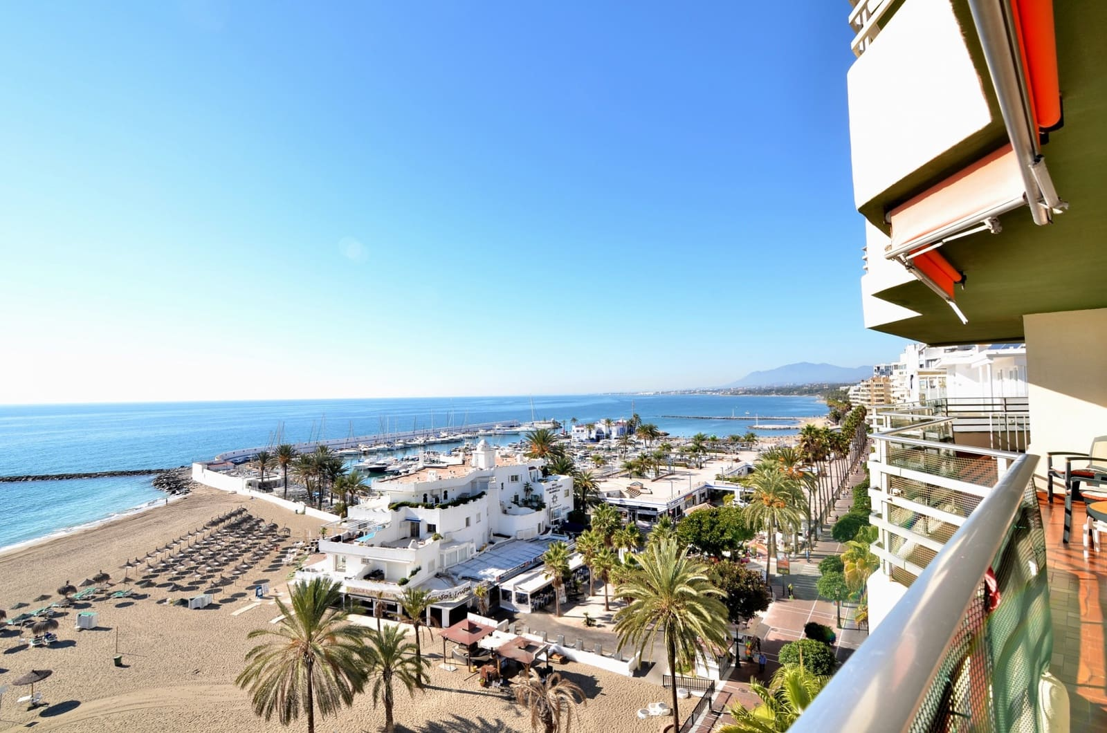 5 bedroom Apartment for sale in Marbella with garage - € 998,000 (Ref: 3668335)
