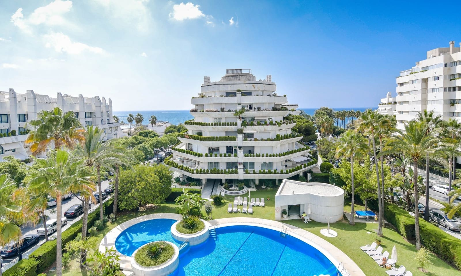 3 bedroom Apartment for sale in Marbella with pool garage - € 1,475,000 (Ref: 4125933)