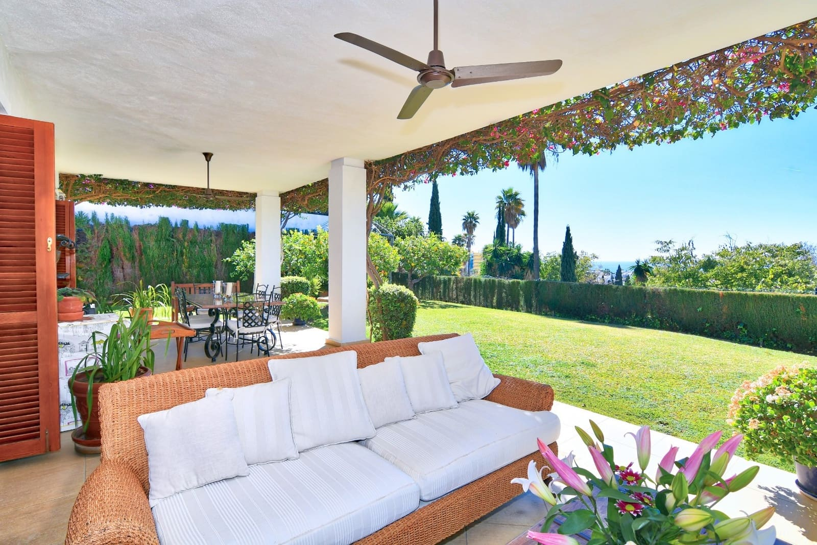 4 bedroom Villa for sale in Marbella with garage - € 1,900,000 (Ref: 4319358)