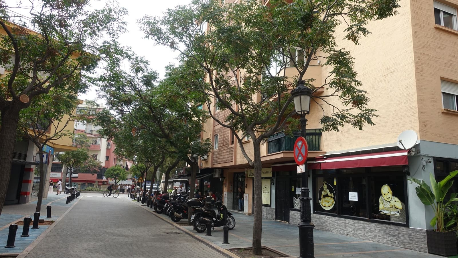 Commercial for sale in Marbella - € 199,500 (Ref: 4772159)