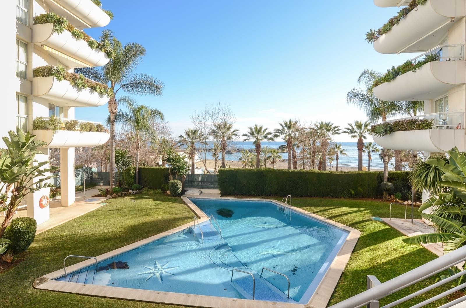 2 bedroom Apartment for sale in Marbella with pool garage - € 370,000 (Ref: 5061387)