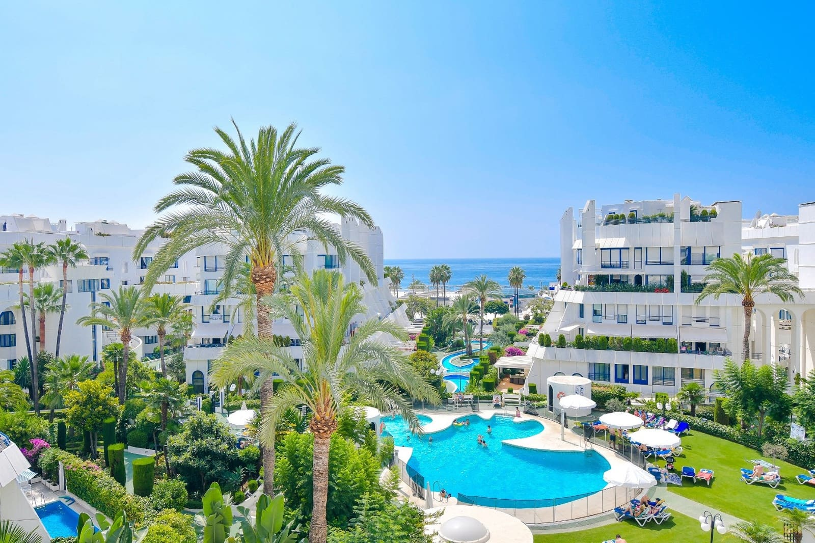 2 bedroom Apartment for sale in Marbella with pool garage - € 495,000 (Ref: 5096597)