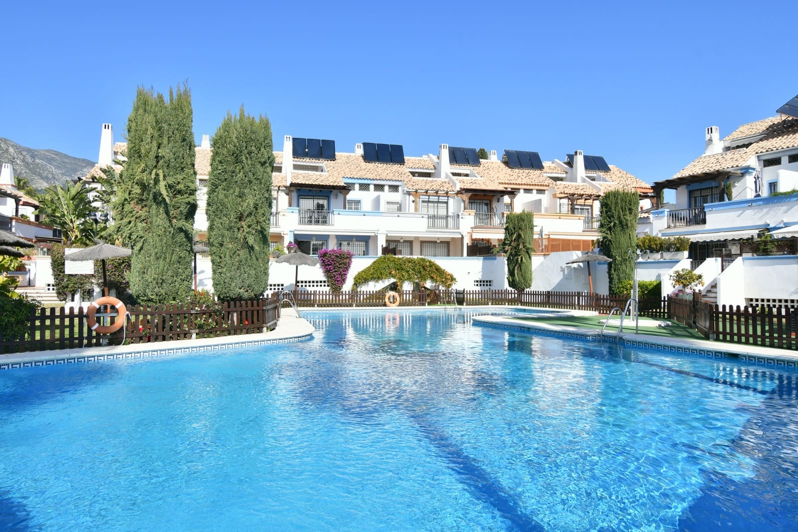 4 bedroom Townhouse for sale in Marbella with pool garage - € 540,000 (Ref: 5096601)