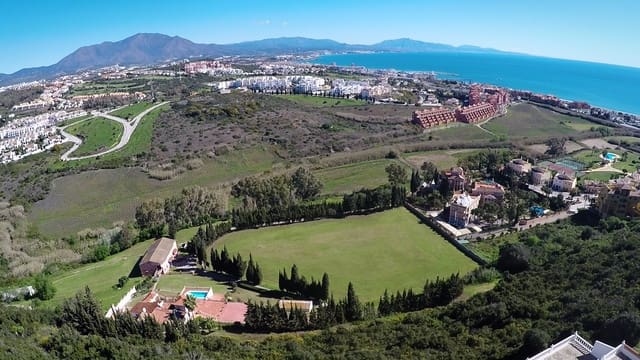 3 chambre Finca/Maison de Campagne à vendre à San Luis de Sabinillas avec piscine - 1 175 000 € (Ref: 5121011)