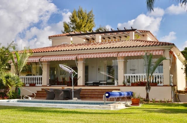 4 soverom Villa til salgs i Bel-Air med svømmebasseng garasje - € 740 000 (Ref: 4788475)