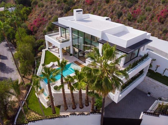 4 sypialnia Willa na sprzedaż w La Quinta z basenem garażem - 2 950 000 € (Ref: 4988569)