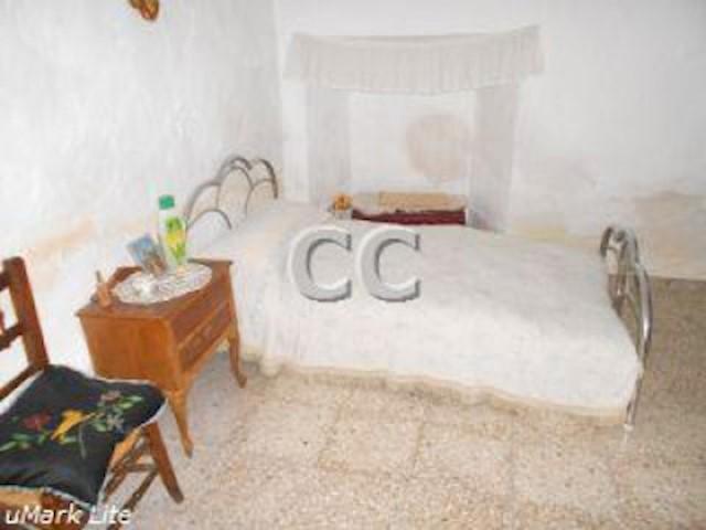Casa Melo: Townhouse for sale in Alcaudete