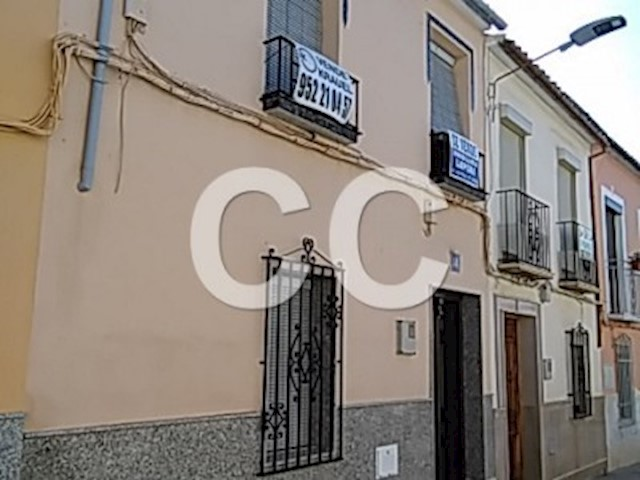 Casa Cuartome: Townhouse for sale in Rute