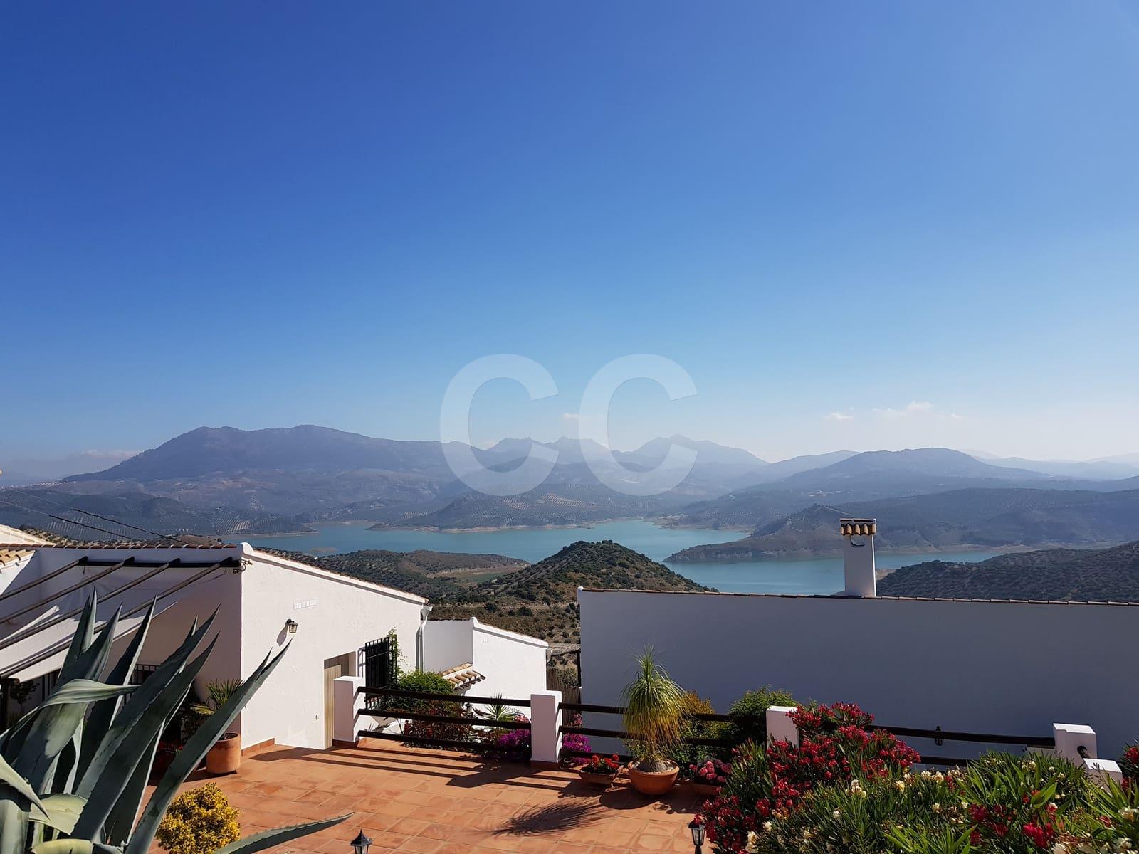 5 sypialnia Biznes na sprzedaż w Iznajar z basenem garażem - 749 000 € (Ref: 4058549)