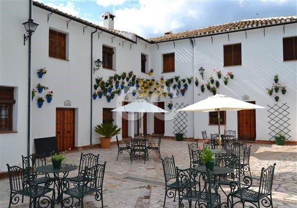15 soverom Kommersiell til salgs i Priego de Cordoba med svømmebasseng - € 675 000 (Ref: 4059104)