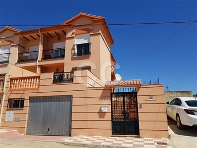 3 bedroom Villa for sale in Ventorros de la Laguna with pool garage - € 155,000 (Ref: 4069733)