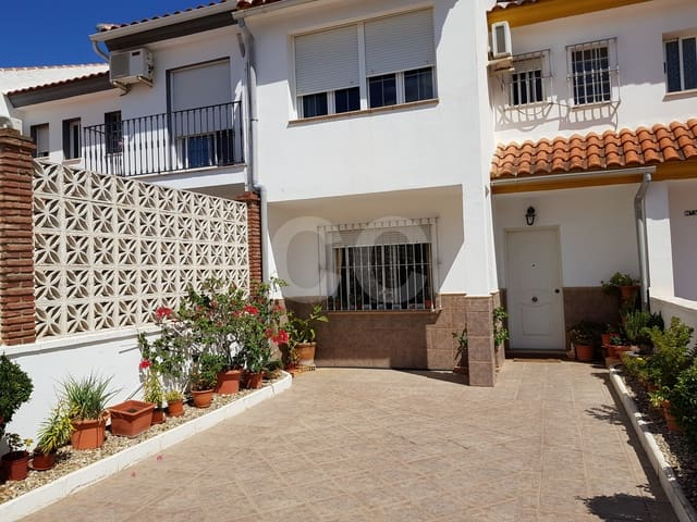 Casa Guindos: Townhouse for sale in Mollina