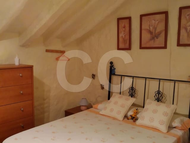 Casa Rolden: Townhouse for sale in Rute