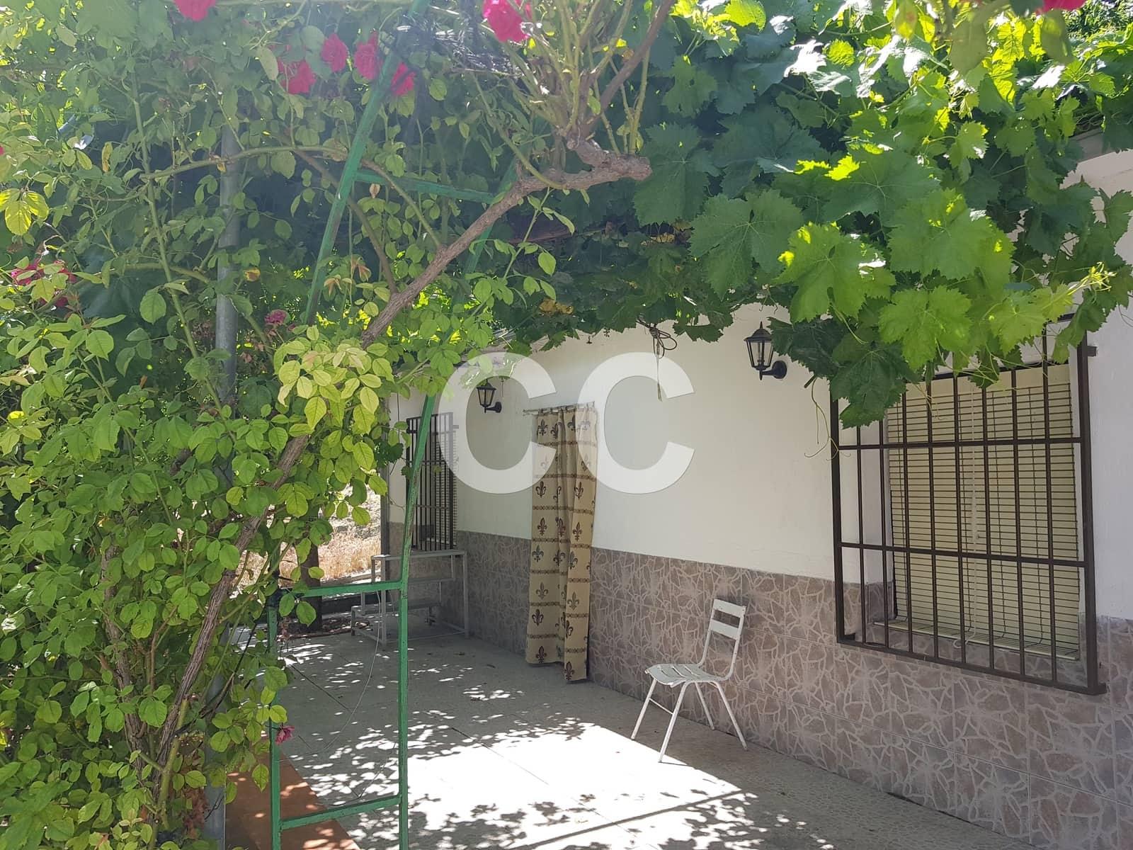 Finka/Dom wiejski na sprzedaż w Castillo de Locubin z basenem - 94 000 € (Ref: 5332097)