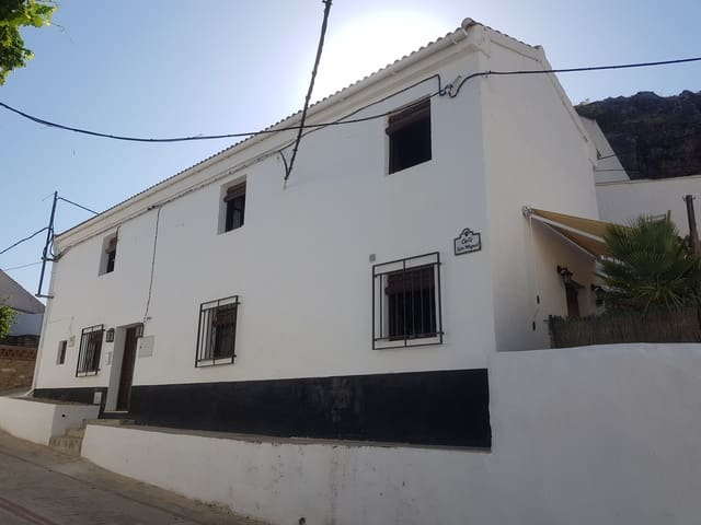 Casa San Miguel: Townhouse for sale in Limones
