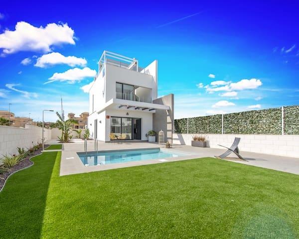 3 chambre Villa/Maison Mitoyenne à vendre à Villamartin avec piscine - 209 500 € (Ref: 4293949)