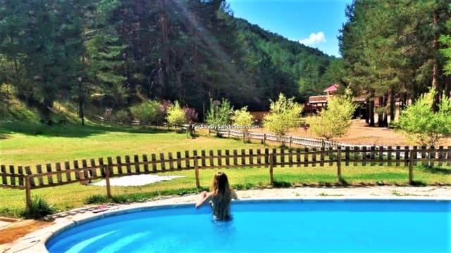 22 bedroom Villa for sale in Orea - € 680,000 (Ref: 5884001)