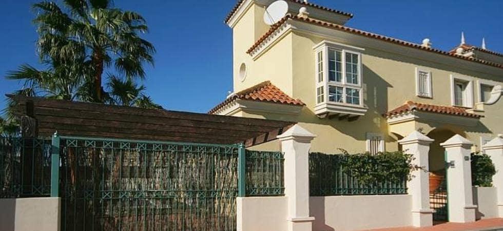 5 slaapkamer Halfvrijstaande villa te huur in Puerto Banus met garage - € 7.500 (Ref: 3846799)