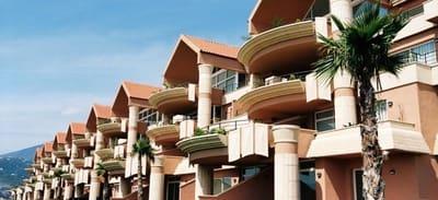 Commercieel te huur in Nueva Andalucia met garage - € 150 (Ref: 5377000)