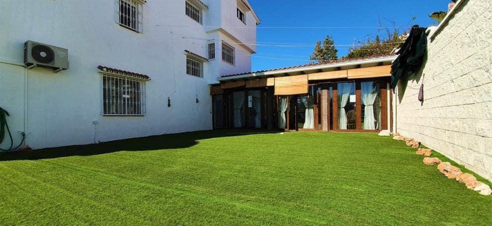 4 sovrum Semi-fristående Villa att hyra i Mijas Costa - 1 800 € (Ref: 5377102)