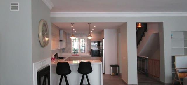 4 slaapkamer Huis te huur in Costabella met garage - € 2.000 (Ref: 5377356)