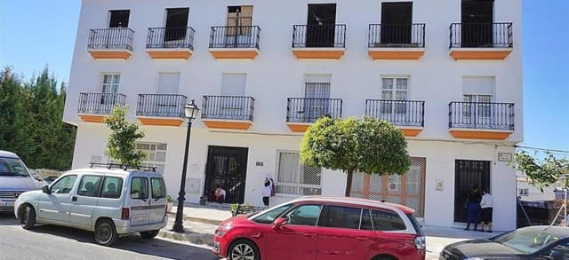 Commercieel te huur in Monda - € 700 (Ref: 5377473)