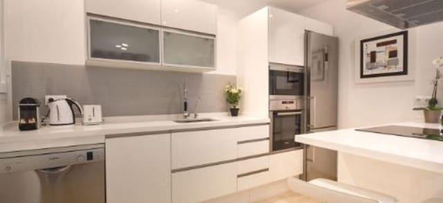 2 sypialnia Penthouse do wynajęcia w Istan z garażem - 1 350 € (Ref: 5672939)