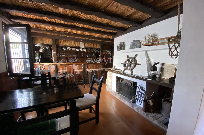 5 camera da letto Commerciale in vendita in Cala d'en Bou con piscina garage - 988.000 € (Rif: 5548965)
