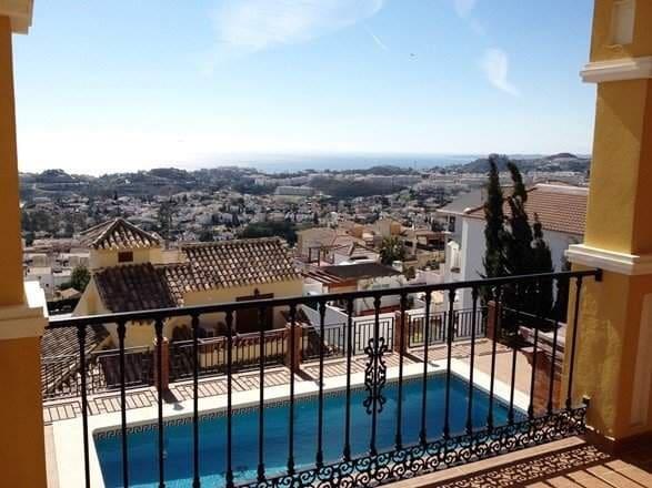 4 bedroom Villa for sale in Benalmadena - € 950,000 (Ref: 3187418)