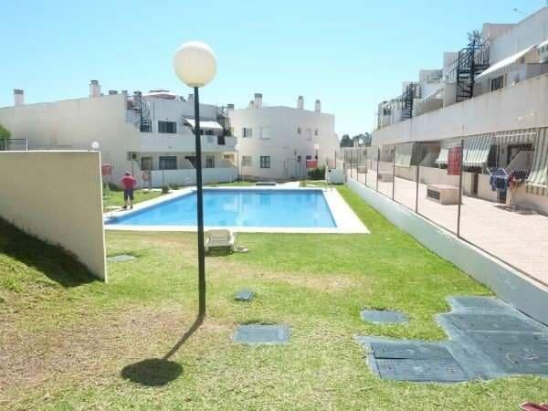 2 bedroom Apartment for sale in Benalmadena - € 150,000 (Ref: 3238232)