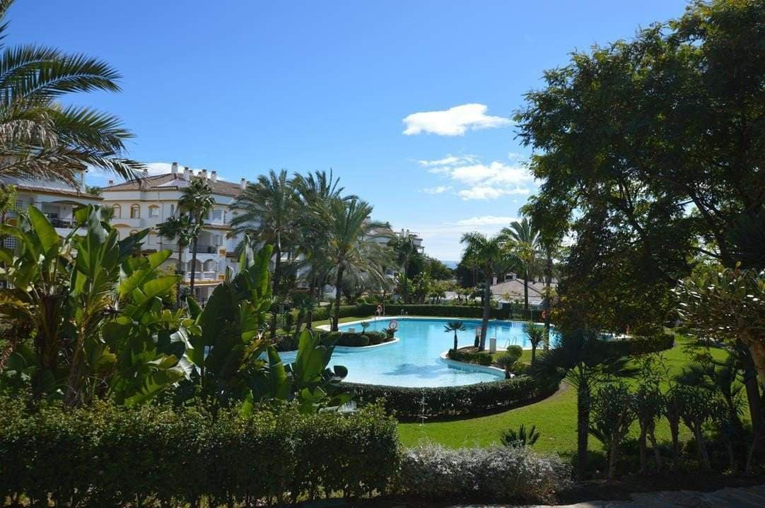3 bedroom Penthouse for sale in Marbella - € 525,000 (Ref: 3316990)