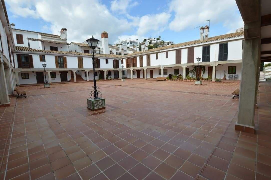 2 bedroom Townhouse for sale in Benalmadena - € 175,000 (Ref: 3327051)