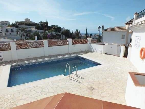 2 bedroom Apartment for sale in Nerja - € 240,000 (Ref: 3354093)