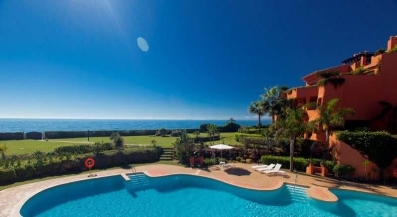 2 bedroom Apartment for sale in Marbella - € 895,500 (Ref: 3552440)
